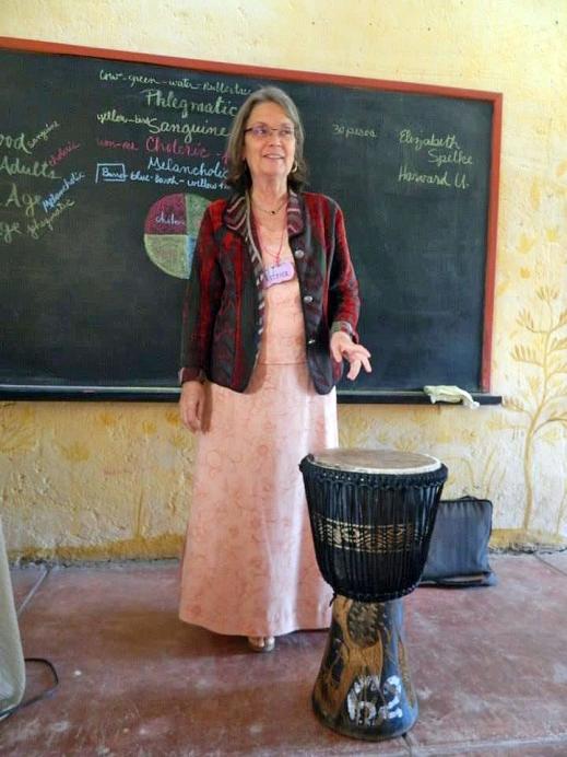 PATRICE MAYNARD - Maestra Waldorf con gran experiencia tanto en la tarea pedagógica, como en la administración escolar. Fue maestra de la clase principal y de música en la Escuela Waldorf Hawthorne Valley durante trece años .En la década de 1980 ayudó en la fundación del Merriconeag Waldorf School (Costa de Maine). Durante 9 años fue líder de la Asociación de Escuelas Waldorf de Norteamérica (AWSNA) y desde el 2014 es directora de desarrollo y publicaciones del Instituto de Investigación para la Educación Waldorf (RIWE) en los Estados Unidos. Patrice ha estado involucrada con la educación de adultos y la formación de maestros desde 1999.